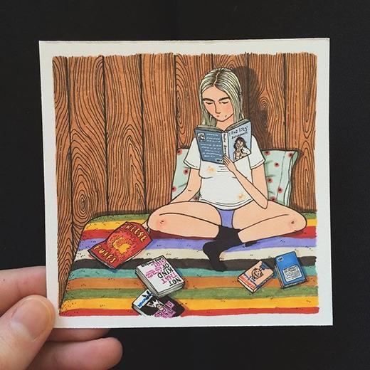 Đọc tất cả các cuốn sách mình muốn trong lúc ăn vặt liên mồm và quên đi mạng xã hội. (Ảnh: Sally Nixon)