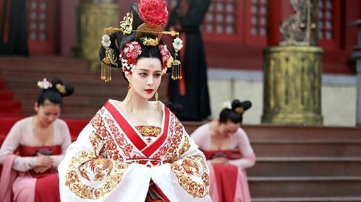 Trở thành nữ hoàng nhờ đi thảm đỏ, chỉ có Phạm Băng Băng