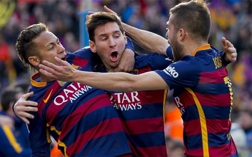 Messi (giữa) có tầm ảnh hưởng quan trọng nơi hàng công Barca.Ảnh: AFP.