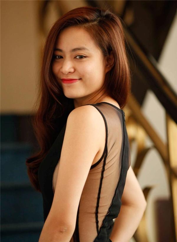 Hoàng Thùy Linh là một trong những mĩ nhân có gu thời trang ổn định nhất nhì V-biz, điều đó đã giúp cô luôn duy trì được sức hút của mình. - Tin sao Viet - Tin tuc sao Viet - Scandal sao Viet - Tin tuc cua Sao - Tin cua Sao