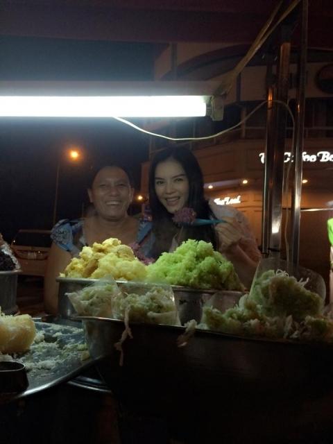 Nữ diễn viên thường tự mình xuống phố để chọn mua những móncô yêu thích. - Tin sao Viet - Tin tuc sao Viet - Scandal sao Viet - Tin tuc cua Sao - Tin cua Sao