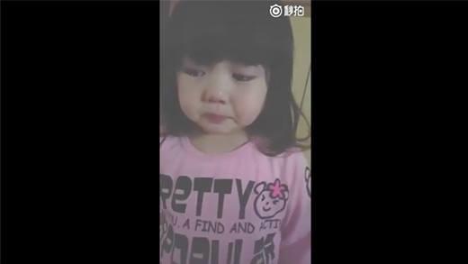 Dân mạng phát cuồng vì bé gái Nhật Bản siêu đáng yêu
