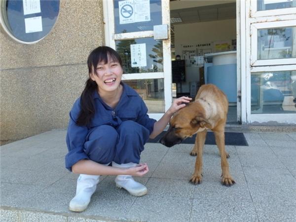 Quyết định của cô khiến gia đình phản đối dữ dội,nhưng tình yêu dành cho động vật đã giúp côchiến thắng tất cả.