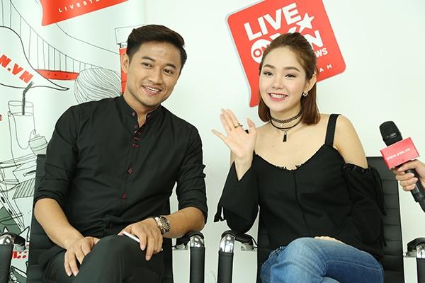 Quý Bình và Minh Hằng bày tỏ sự háo hức khi được gặp gỡ người hâm mộ sau thành công của bộ phim điện ảnh mới đây. - Tin sao Viet - Tin tuc sao Viet - Scandal sao Viet - Tin tuc cua Sao - Tin cua Sao