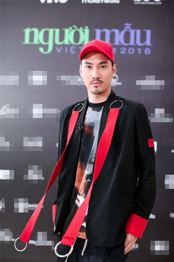 Nhà thiết kế Lý Quí Khánh