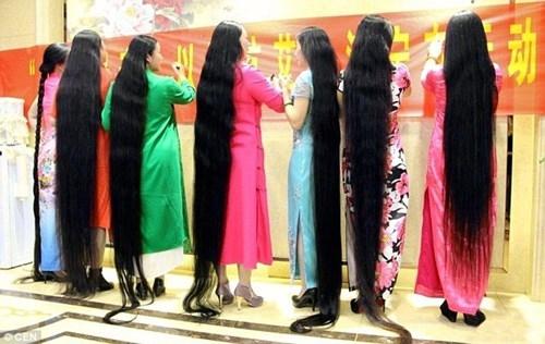 Những người phụ nữ tóc dài này thừa nhận họ gặp nhiều rắc rối trong việc mái tóc dài, nhưng mục đích của họ là giới thiệu vẻ đẹp truyền thống của phụ nữ Á Đông với thế giới.