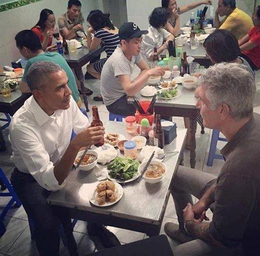 Những hình ảnh cực bình dân mà ấn tượng của Tổng thống Obama trong 3 ngày ở Việt Nam