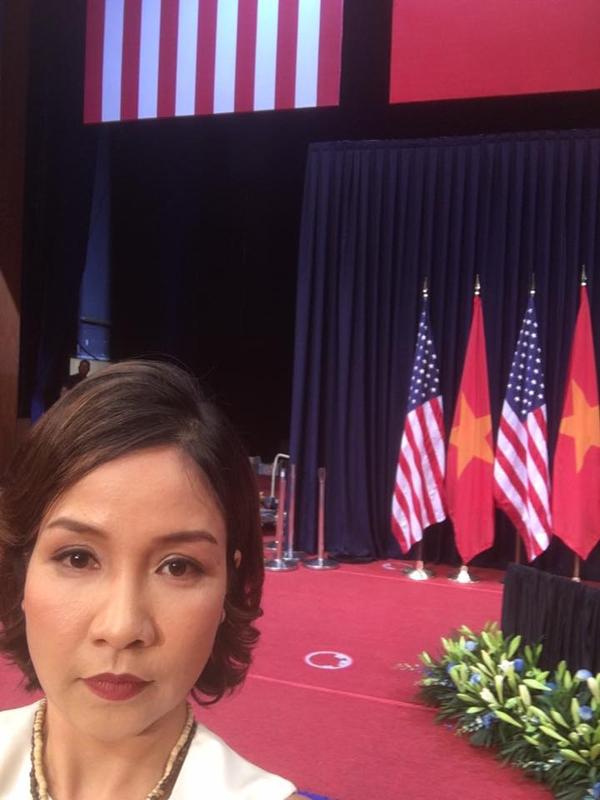 Sáng ngày 24/5 vừa qua, Tổng thống MĩBarack Obama đã cóbuổi phát biểu tại Trung tâm Hội nghị Quốc gia do Liên hiệp các tổ chức Hữu nghị Việt Nam và Đại sứ quán Mĩtổ chức. Tại sự kiện này, Quốc ca Mĩvà Quốc ca Việt Nam được xemlà phần giao lưu văn hóa đặc biệt. Nữ ca sĩ Mỹ Linh vinh dự đại diện cho Việt Nam thể hiện ca khúc này. - Tin sao Viet - Tin tuc sao Viet - Scandal sao Viet - Tin tuc cua Sao - Tin cua Sao