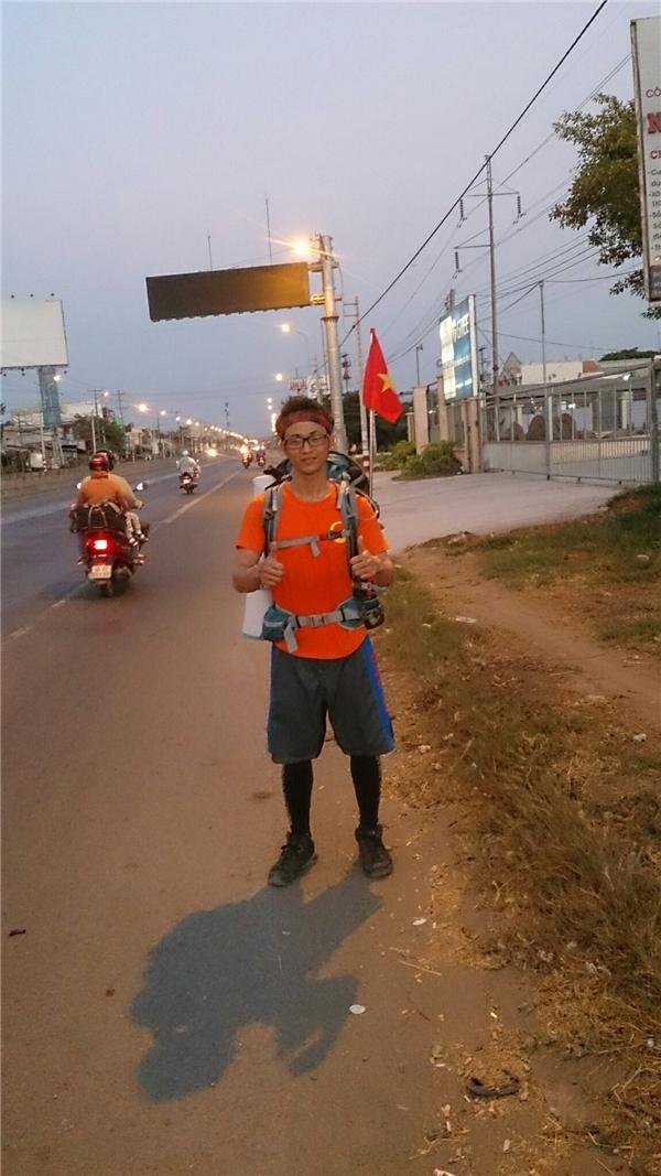 đi bộ 450km