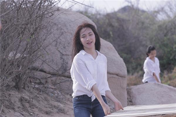 Bên cạnh việc viết kịch bản và sản xuất, Hòa Minzy sẽ đảm nhận vai chính trong Vì anh là của em. - Tin sao Viet - Tin tuc sao Viet - Scandal sao Viet - Tin tuc cua Sao - Tin cua Sao
