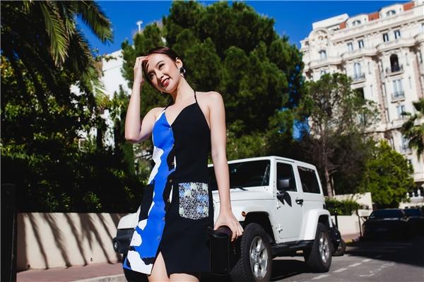 Angela Phương Trinh xinh đẹp hút hồn, vô tư thả dáng trên đất Pháp