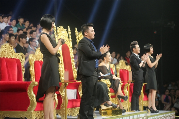 Ban giám khảo vô cùng hài lòng và phấn khích trước những tài năng mới của làng hài Việt. - Tin sao Viet - Tin tuc sao Viet - Scandal sao Viet - Tin tuc cua Sao - Tin cua Sao