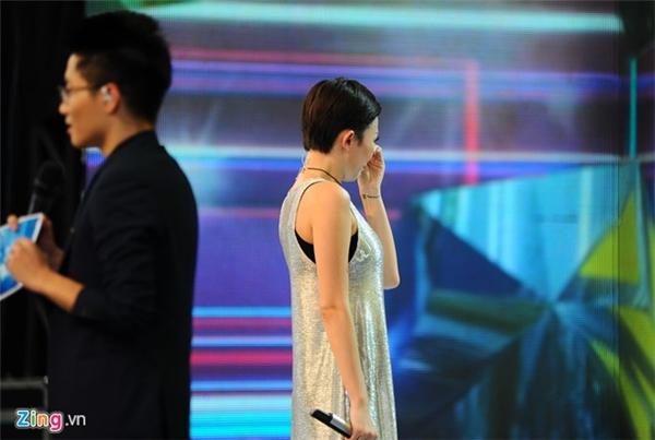 Tóc Tiên khóc khi nhớ về Wanbi Tuấn Anh. (Ảnh: Zing.vn) - Tin sao Viet - Tin tuc sao Viet - Scandal sao Viet - Tin tuc cua Sao - Tin cua Sao