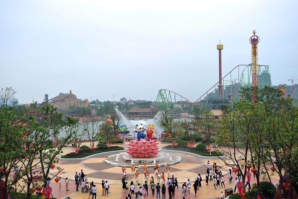 """Công viên ở Thượng Hải sẽ là công trình đầu tiên của Disney ở Trung Quốc đại lục.""""Cơn sốt của Chuột Mickey và Vịt Donald đã qua. Quãng thời gian mà chúng ta mù quáng đi theo sự dẫn dắt của Disney đã không còn nữa"""", ông Wang nhấn mạnh trong cuộc phỏng vấn với CCTV."""
