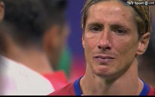 """Trước trận đấu này, Torres tâm sự: """"Tôi từng trải qua nhiều trận đấu quan trọng với Chelsea và tuyển Tây Ban Nha. Nhưng hôm nay là trận đấu đặc biệt nhất cuộc đời tôi. Bởi vì nó là trận quan trọng nhất của đội bóngtôi trưởng thành""""."""