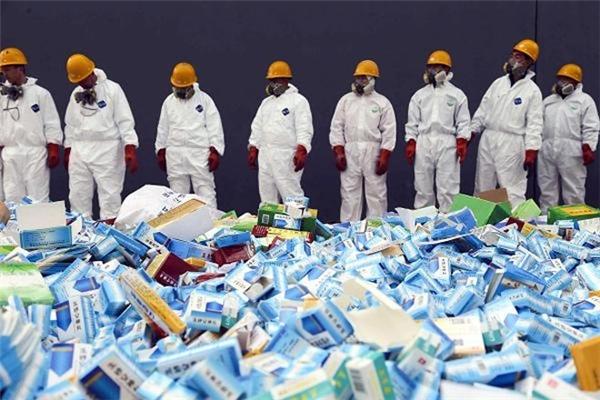 Tháng 4/2014, hải quan nước Phápđã tịch thu 10 tấn thuốc giả dành cho bệnh nhân bị rối loại cương dương và tiêu chảy có nguồn gốc từ Trung Quốc. Thành phần của các loại thuốc giả này thực chất chỉ là đường. Lô hàng có trị giá lên đến 1 triệu Euro. (Ảnh: Internet)