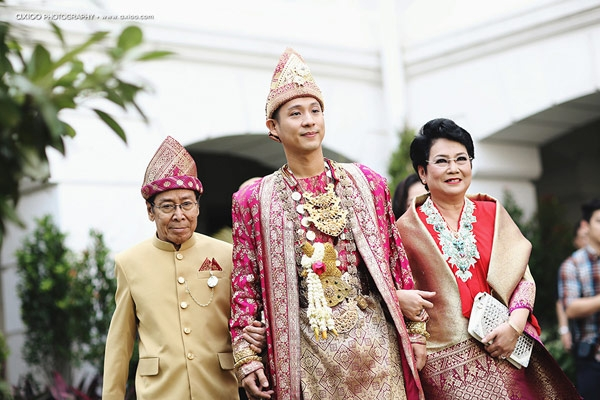 Junior Liem và bố mẹ. (Ảnh: Internet)
