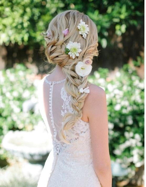Bạn sẽ trở thành một nàng thơ xinh đẹp với kiểu tóc này. (Ảnh: Internet)