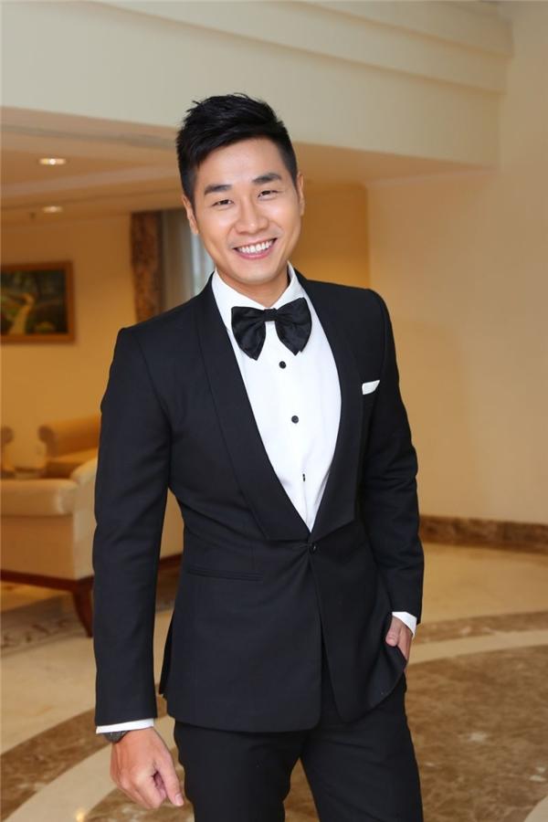 Hậu Cầu Vồng, Nguyên Khang nhanh chóng khẳng định tài năng của bản thân khi liên tục xuất hiện trên những chương trình truyền hình lớn như X Factor, The Remix, Sự lựa chọn thông minh,… - Tin sao Viet - Tin tuc sao Viet - Scandal sao Viet - Tin tuc cua Sao - Tin cua Sao