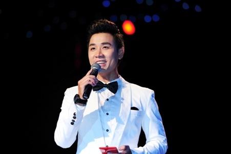 Hiện tại, nam MC điển trai được đánh giá là một trong những người dẫn chương trình tuổi trẻ tài cao tại showbiz Việt. - Tin sao Viet - Tin tuc sao Viet - Scandal sao Viet - Tin tuc cua Sao - Tin cua Sao
