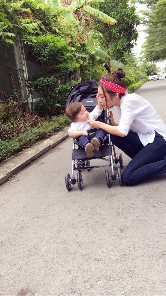 """Dù đã là bà mẹ 2 con nhưng Elly Trần vẫn khiến không ít phụ nữ ganh tị trước thân hình """"chuẩn không cần chỉnh"""". - Tin sao Viet - Tin tuc sao Viet - Scandal sao Viet - Tin tuc cua Sao - Tin cua Sao"""