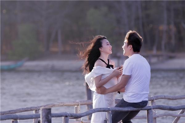 Với sản phẩm Đồng ý nha lần này, Huy Nam đã cho khán giả thấy một cá tính âm nhạc riêng. Anh không còn lạc lối trong việc định hình phong cách thời trang cũng như tư duy âm nhạc mà thay vào đó là chất giọng ngọt ngào cùng vẻ ngoài điển trai.
