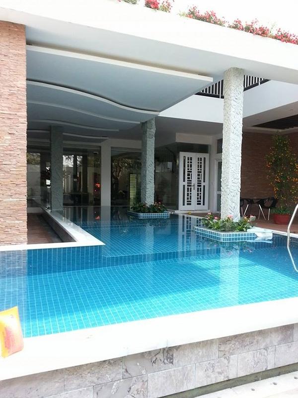 Căn biệt thự có bể bơi trong nhà vô cùng thuận tiện. - Tin sao Viet - Tin tuc sao Viet - Scandal sao Viet - Tin tuc cua Sao - Tin cua Sao