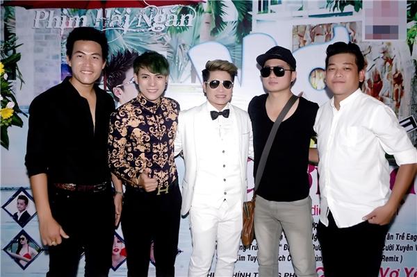 Mới đây, sau thành công của album Vua nhạc sàn 2, Lương Gia Huy tiếp tục cho ra mắt phim ca nhạc Vợ Thời Đại.