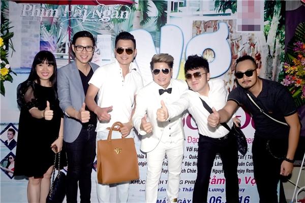 Hivọng với những sản phẩm mới này sẽ nhận được sự yêu thương đón nhận của khán giả để ca sĩ Lương Gia Huy có thêm nhiều động lực thực hiện một liveshow nhằm kỉniệm chặng đường 10 ca hát của mình được tổ chức công phu và hoành tráng vào dịp cuối năm.