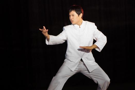 Hiện tại Vương Chấn Uy vẫn đang tiếp tục rèn luyện võ nghệ và đi biểu diễn ở rất nhiều nơi.