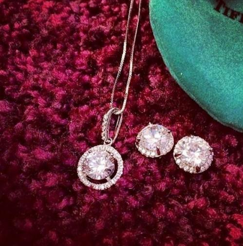 Những viên kim cương đắt đỏ.