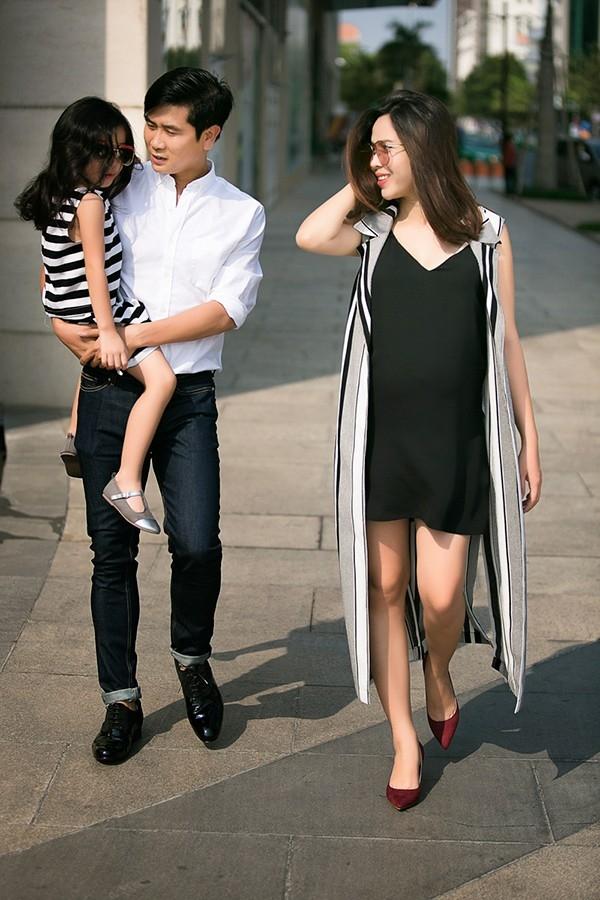 Sau khi sinh, Lưu Hương Giang và con gái đã về nhà riêng tại Tp.HCM để tịnh dưỡng và tiện chăm sóc bé. - Tin sao Viet - Tin tuc sao Viet - Scandal sao Viet - Tin tuc cua Sao - Tin cua Sao