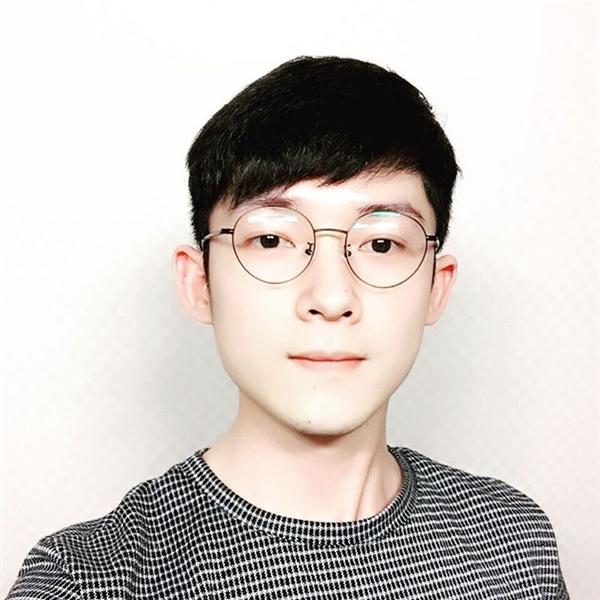 Phan Nhân, nickname là Mike, sinh năm 1988 tại thành phố Đà Nẵng, hiện đang sinh sống và làm việc tại thủ đô Seoul, Hàn Quốc. (Ảnh: NVCC)