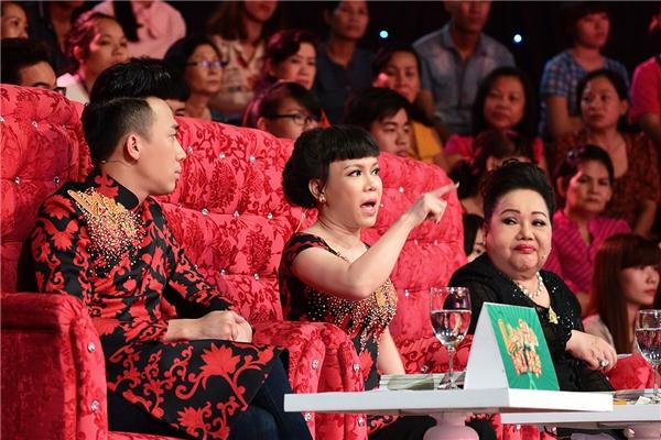 """Giám khảo Việt Hương cũng tỏ rõ sự thất vọng: """"Sau 5 vòng, các bạn hình như muốn tôi đưa các bạn vào vòng nguy hiểm, tôi hoàn toàn thất vọng với các bạn""""."""