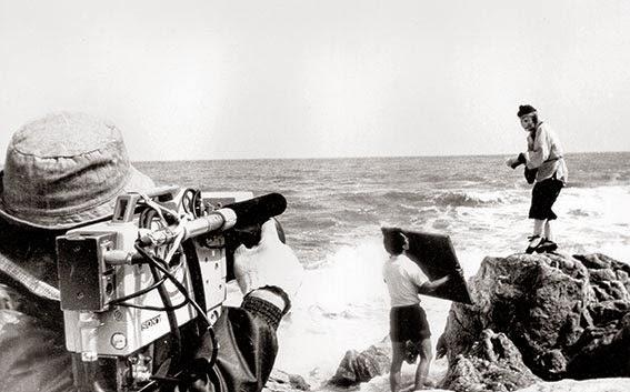 Một số cảnh quay thời đó còn sử dụng các loại thiết bị khá thô sơ.