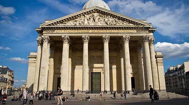 5. Điện Panthéon thực chất là một nhà thờ có tên gọi Église Sainte-Geneviève, được xây dựng từ năm 1791. (Ảnh: Internet)