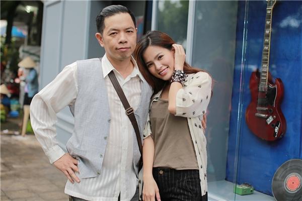 Tuy nhiên, vì không chịu nổiáp lực,Huyền Trang phải xin nghỉ giải lao 10 phút, ra ngồi một góc và tự hôn vào bàn tay để cảm nhận được chính nụ hôn của mình cho đến lúc cảm thấy tự nhiên hơn.