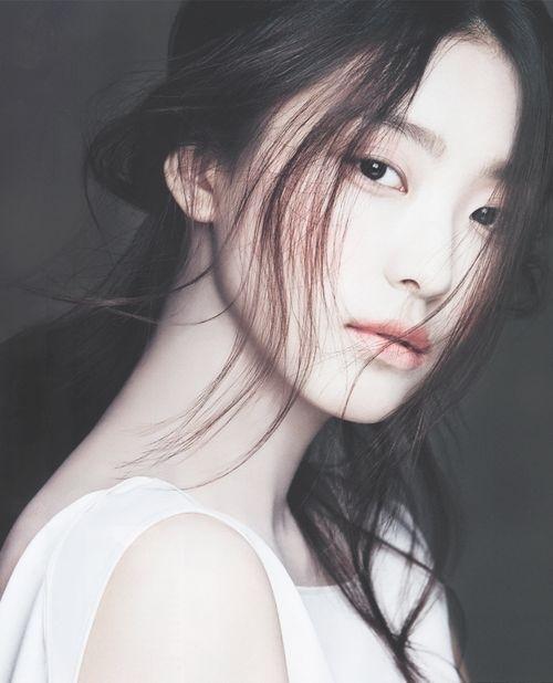 Đàn ông thường bảo rằng họ yêu vẻ đẹp tâm hồn của người phụ nữ, nhưng là của một phụ nữ đẹp. Một tâm hồn đẹp nhưng lại được gói bên trong một bộ dạng không mấy thuận mắt thì cũng chẳng ai thèm khám phá. (Ảnh: Internet)
