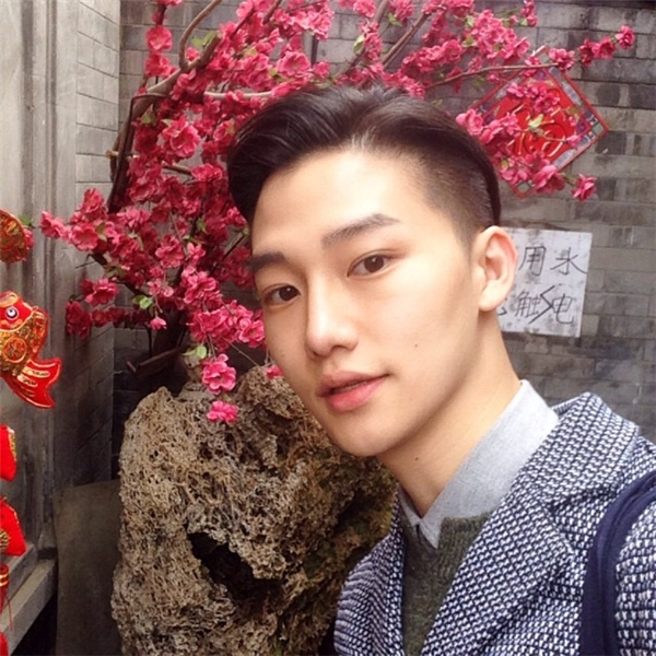 Đây là trai đẹp đang được cư dân mạng Hàn Quốc
