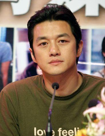 Nam diễn viên Lý Á Bằng nổi tiếng với đường tình duyên lận đận
