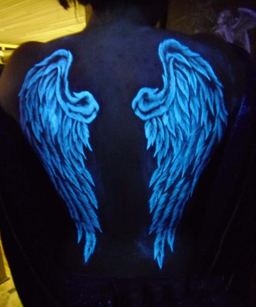 Thiên thần trong bóng đêm. (Ảnh: Internet)