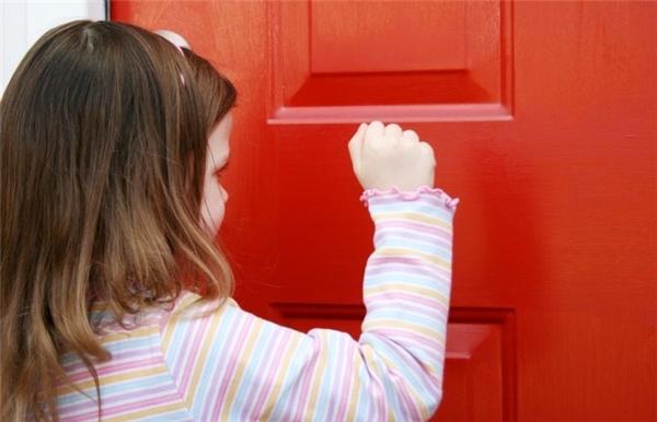 Hãy tập cho mình và đặc biệt là tập cho con trẻ thói quen lịch sự này luôn nhé.