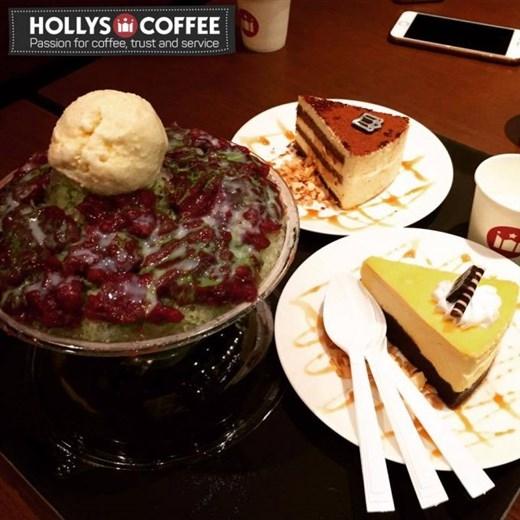Green Tea & RedBean Bingsoo, Cheese Cake, Tiramisu tại Hollys nổi tiếng là thơm và mịn nhé.