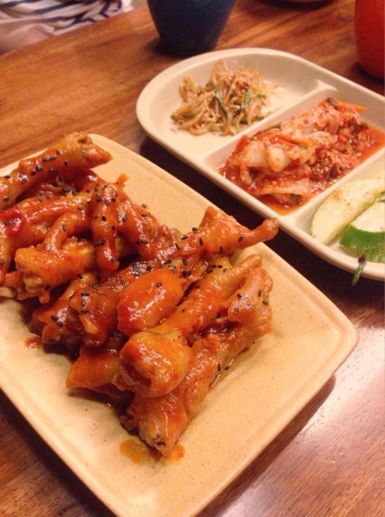 """Ở đây còn có bánh, chả cá ăn vặt cực hay ho và patbingsu giải nhiệt """"cấp tốc"""", không còn lo sợ mùa hè ăn đồ Hàn cay nóng nữa nhé. (Ảnh: Internet)"""