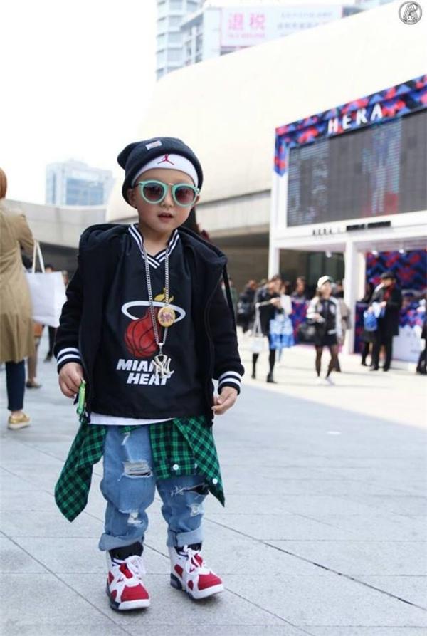 5 fashionista nhí khiến cư dân mạng