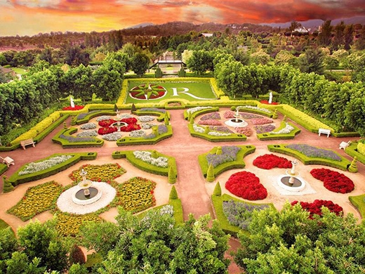 Há hốc với khung cảnh của những khu vườn đẹp nhất thế giới