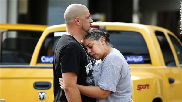 Sự kiện này được đánh giá là vụ thảm sát tồi tệ nhất của nước Mỹ kể từ sau sự kiện 11/9. (Ảnh: CNN)