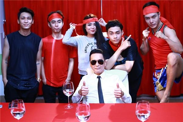 Đội H5 gồmdanh caNguyễn Hưng và các thành viên: Tronie – cựu thành viên nhóm 365, ca sĩ trẻ Thái Trinh, diễn viên Lê Dương Bảo Lâm – Quán quân Cười Xuyên Việt 2015, nhà sản xuất âm nhạc Sino Ngọc Hưng và vũ công Kyo Tuấn Anh.