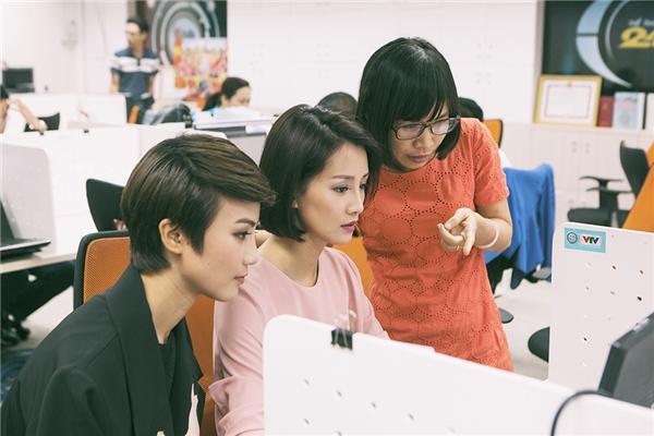 Sở hữu gương mặt xinh đẹp, nụ cười rạng rỡ và đôi mắt biết nói, MC - BTV Quỳnh Chi đang là cái tên được rất nhiều người yêu thích qua chương trình Nhịp đập 360 độ thể thao.