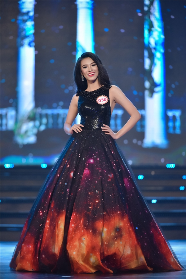 Sau 2 năm rèn luyện, đến với Hoa hậu Việt Nam 2016, Kim Duyên trở thành thí sinh có lượng fan đông đảo bởi sắc vóc thay đổi ngoạn mục. Trong suốt những phần tình diễn, Kim Duyên luôn được khán giả cổ vũ, hò hét hết mình.